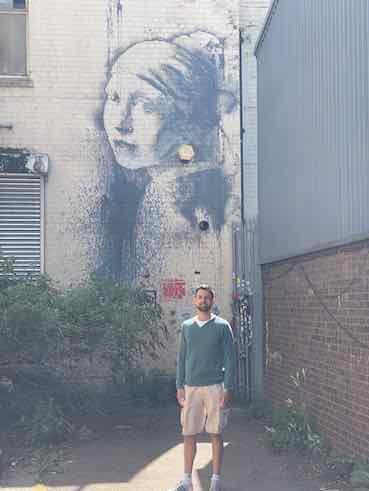 I am standing close to a Binsky graffiti