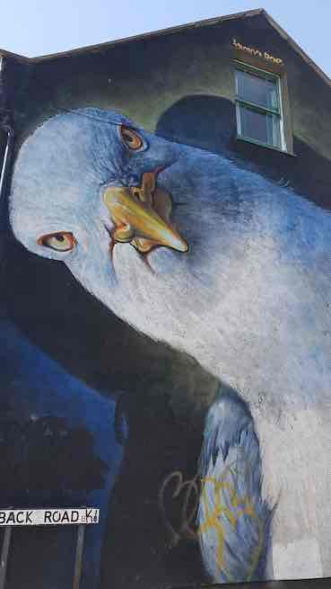 graffiti depicting eagle